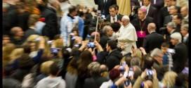 """Papa Francesco: """"padri presenti ma non controllori"""""""