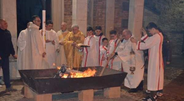 Veglia Pasquale e Battesimo di Antonio Di Lena 04-04-2015