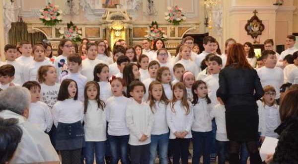 Recite e musiche natalizie presentate dalla scuola di Palata 20-12-17